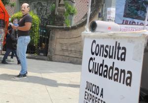 """Que devuelvan lo robado"": México en campaña para juzgar a sus expresidentes"