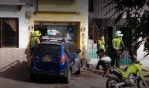 Mujer resultó herida tras intento de atraco de falsos vigilantes en Colombia