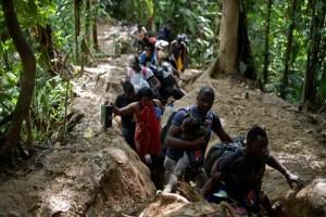 Cientos de migrantes haitianos se dirigen nuevamente a la frontera de EEUU (FOTOS)