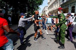 Informe expone deplorable estado de los DDHH en Cuba: Represión, crisis alimentaria y sanitaria