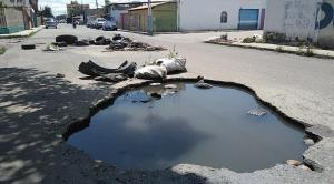 ¡Fatal! El MEGAHUECO que se está tragando poco a poco a Barquisimeto (FOTOS)