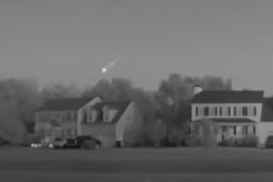 Captaron en VIDEO enorme bola de fuego que iluminó el cielo nocturno de Carolina del Norte