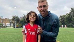 El Arsenal ficha a su jugador más joven, un niño de cuatro años