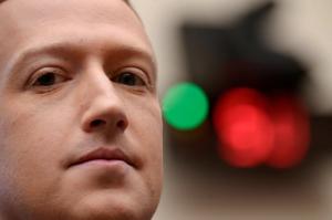"""""""No es cierto"""": Mark Zuckerberg negó que Facebook prioriza ganancias sobre seguridad de sus usuarios"""